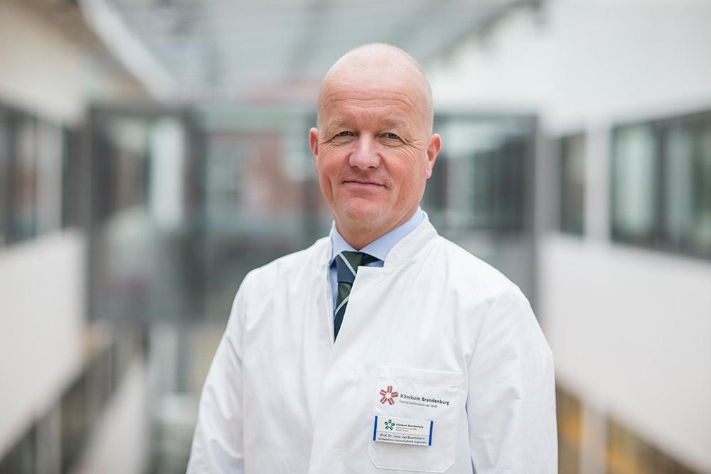 Univ.- Prof. Dr. med. Ivo Buschmann Klinikdirektor Hochschulklinik für Angiologie Campus Brandenburg