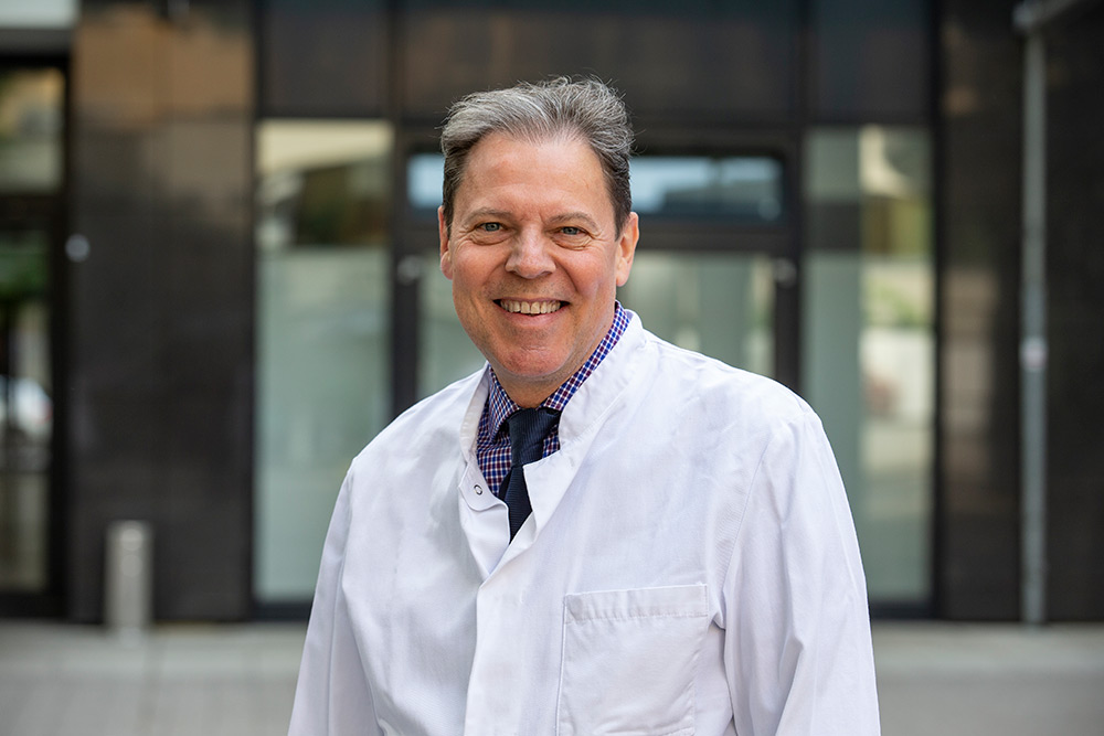 Chefarzt PD Dr. med. C. M. Gross