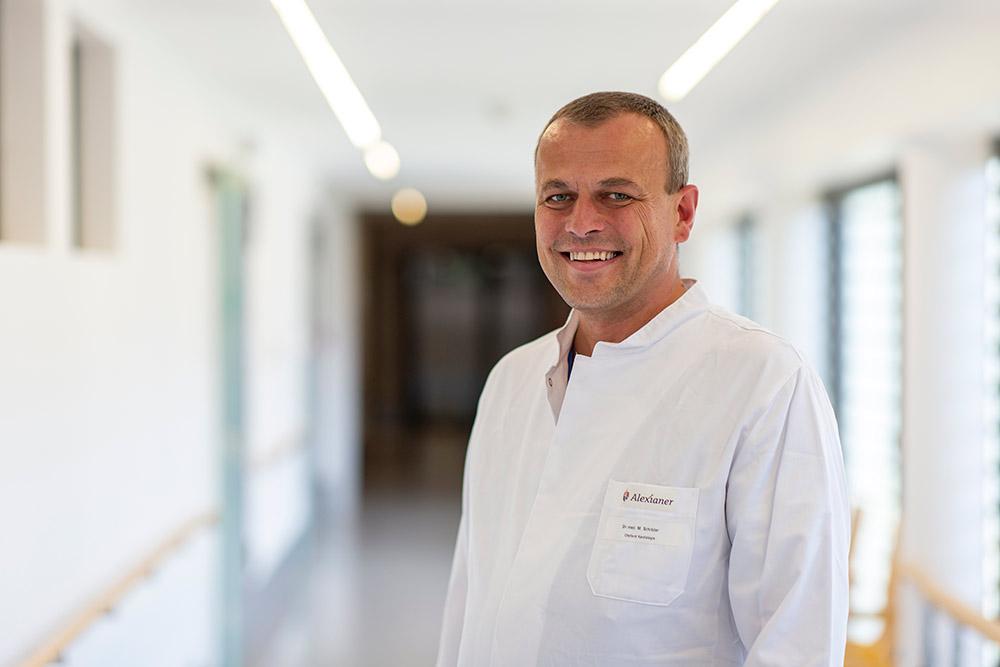 Chefarzt Dr. med. Malte Schröder Facharzt für Innere Medizin und Kardiologie